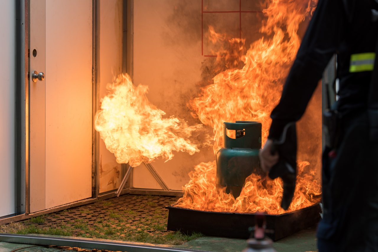 Basic Fire Fighting and Evacuation Fire Drill Simulation Training For Safety in Condominium or Company